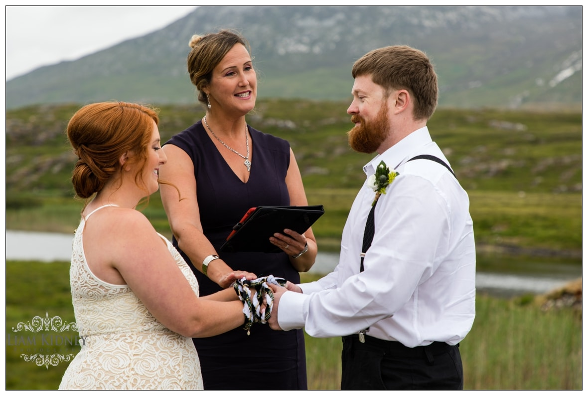 The Roving Rev – Wedding Celebrant